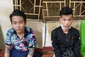 Bắt 2 kẻ xăm trổ ném sơn vào nhà con nợ để đòi tiền
