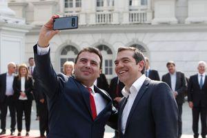 Tấm selfie đặt dấu chấm hết cho một trong những xung đột dài nhất châu Âu