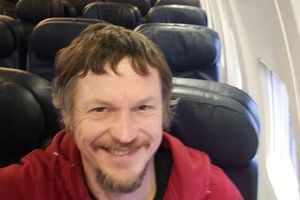 Mua vé 1 chiều, người đàn ông bất ngờ được bao trọn chuyến bay
