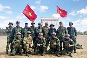 Đoàn Việt Nam giành thành tích cao trong Hội thi bắn súng lục quân tại Australia
