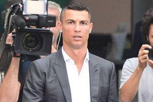 Thua kiện báo Đức, Ronaldo như ngồi trên đống lửa