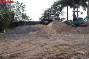 Nam Từ Liêm, Hà Nội: San lấp, tập kết vật liệu xây dựng trái phép 'bủa vây' trường học