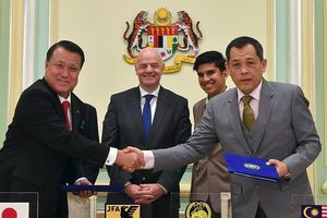 Vì sao chủ tịch FIFA gặp Thủ tướng Malaysia?