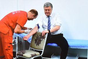 Tổng thống Ukraine phải thử ma túy và nồng độ cồn trước khi tranh luận