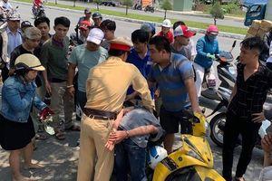 Cảnh sát giao thông truy đuổi hơn 3km bắt 2 tên cướp giật