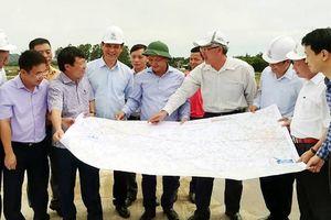 Bàn giao cọc GPMB cao tốc Bắc - Nam qua Hà Tĩnh sớm hơn dự kiến 1 tháng