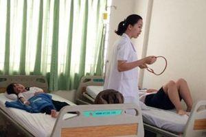 TPHCM: Hơn 30 học sinh tiểu học nhập viện nghi do ngộ độc thức ăn
