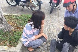 Bạn gái của thiếu niên đâm chết người bất ngờ xuất hiện ở đám tang nạn nhân, điện thoại mở ghi âm
