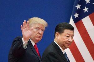 Chưa đàm phán xong với Trung Quốc, TT Trump hoãn bán vũ khí cho Đài Loan