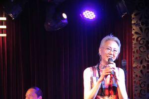 Thái Hiền hút hồn khán giả sau hơn 10 năm tạm ngưng biểu diễn