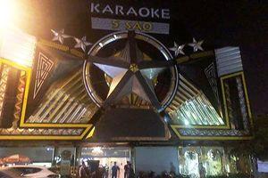 Đột kích quán karaoke, 33 người dương tính ma túy cùng nhiều hung khí