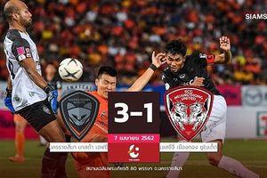 Đặng Văn Lâm bất lực, Muangthong Utd thua thảm Ratchasima