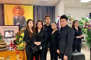 Nghệ sĩ Việt đến viếng Anh Vũ tại Mỹ trước khi đưa anh về Việt Nam
