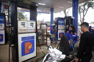 Điều hành giá xăng dầu thế nào để mỗi lần tăng không gây 'sốc'?