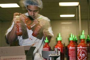 Người Mỹ gốc Việt, chủ tương ớt 'Con Gà': Quy định khắt khe ở Mỹ giúp sản phẩm an toàn hơn
