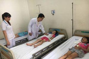 Hơn 60 học sinh nhập viện cấp cứu do ngộ độc thực phẩm