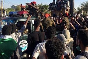100 nghìn người biểu tình đòi Tổng thống Sudan từ chức