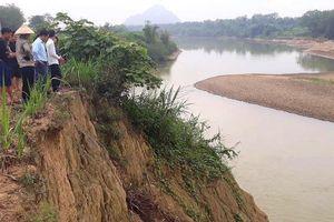 Tắm sông, 2 học sinh tử vong, 3 được cứu