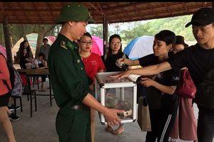 Người xa lạ góp tiền lo hậu sự cho nạn nhân cứu 2 sinh viên đuối nước