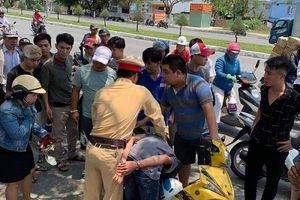 Khen thưởng tổ CSGT truy đuổi, tóm gọn 2 tên cướp tại Đà Nẵng