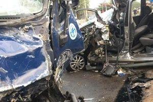 Đồng Nai: Ôtô 7 chỗ va chạm xe tải, 4 người thương nặng
