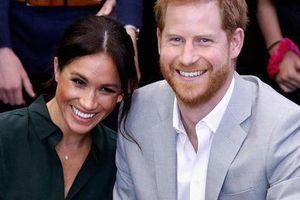 Vợ mang bầu sắp sinh, hoàng tử Harry không chỉ chiều vợ mà còn né tình cũ để nhà cửa yên ấm