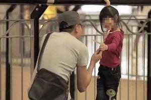 Xuất hiện người lạ tiếp cận trẻ con, chính quyền ra công văn cảnh báo