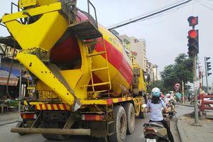 Xe bồn bê tông Việt Tiệp - Hung thần trong giờ cao điểm