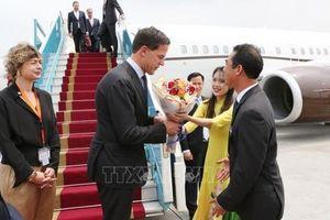 Thủ tướng Hà Lan đến Nội Bài bắt đầu thăm chính thức Việt Nam