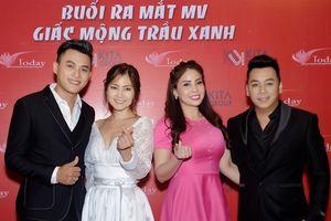 Đảm nhận cùng lúc 2 vai, DV Thành Ngọc dành trọn cảm xúc trong MV cổ trang