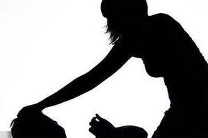 Cô gái 18 tuổi đâm chết 'chồng hờ'