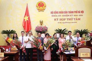 Hội đồng Nhân dân Hà Nội miễn nhiệm, bầu một loạt các chức danh