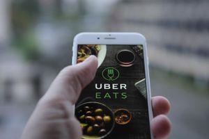 Dịch vụ giao đồ ăn trực tuyến ảnh hưởng tới doanh thu các nhà hàng