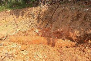 Đào vườn để xây nhà, người dân Huế phát hiện bom 'khủng'