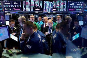 S&P 500, Nasdaq tăng điểm bất chấp triển vọng lợi nhuận doanh nghiệp kém khả quan