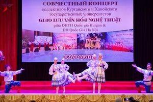 Sinh viên Việt-Nga hào hứng giao lưu văn hóa, nghệ thuật