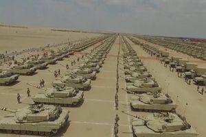 Hàng ngàn xe tăng Ai Cập sẵn sàng cho cuộc xung đột tại Lybia?