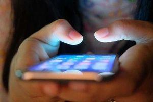 Cuộc chiến chống tin giả và nội dung bạo lực trên mạng xã hội