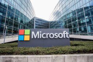 Microsoft vá 74 lỗ hổng trong bản cập nhật mới