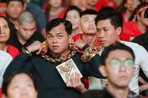Phúc 'XO' - người đeo vàng nhiều nhất Việt Nam bị tạm giữ hình sự
