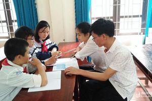 Nghị lực vượt khó của 3 học sinh đạt Huy chương Bạc giải Toán bằng Tiếng Anh