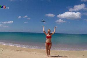 Thái Lan có thể tử hình du khách vì chụp ảnh gây mất an toàn hàng không