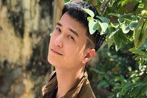 Rộ tin Huỳnh Anh thường xuyên đi trễ, bắt đoàn phim 'Chạy trốn thanh xuân' đợi hơn 2 tiếng