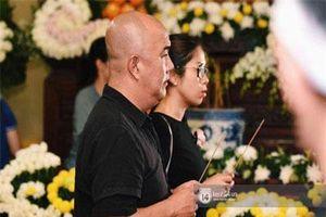 CHUYỆN SHOWBIZ (10/4): Nghệ sĩ Vbiz bức xúc khi đám đông cười nói trong đám tang Anh Vũ, Phạm Hương đầu quân cho công ty quản lý người mẫu hàng đầu Hollywood