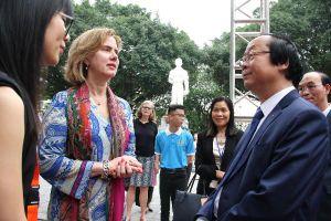 Hợp tác giáo dục để giải quyết các thách thức quản lý nước ở Việt Nam
