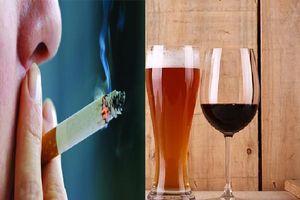 Uống một chai rượu gây nguy hại bằng hút 10 điếu thuốc lá trong tuần