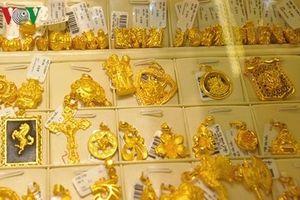 Giá vàng hôm nay: Vàng trong nước bật tăng theo giá vàng thế giới