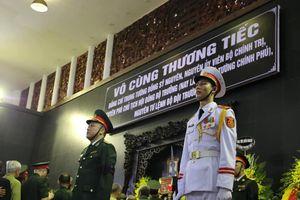 Thương tiếc tiễn đưa Trung tướng Đồng Sỹ Nguyên về nơi an nghỉ cuối cùng