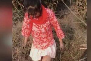 Đeo khăn quàng đỏ thực hiện video 'câu view', cô gái bị bắt giam 12 ngày