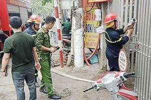Cảnh sát chữa cháy và cứu nạn kể giây phút giải cứu 9 người khỏi đám cháy lớn